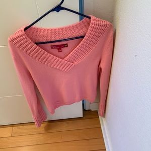 SO Sweaters - Sweater is size large in juniors not women's